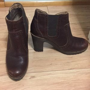 Sperry Top Sider Brown rubber sole booties